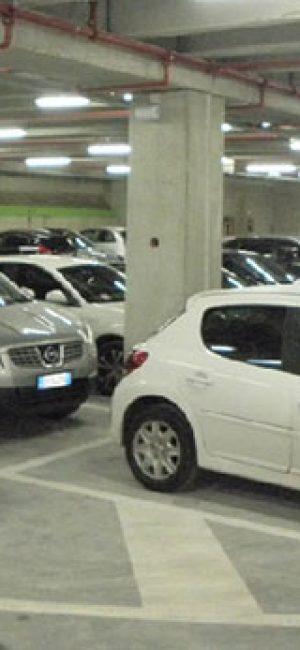 Estacionamiento cubierto